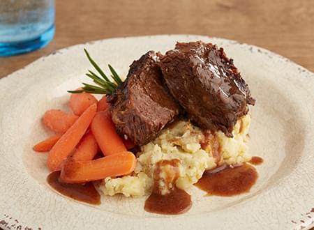 Freshly Cooked Low Carb Braised Boneless Beef Short Rib