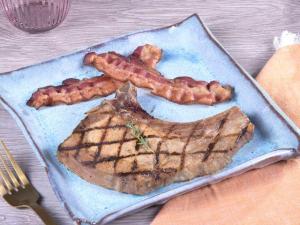 Keto: Grilled Pork Chop