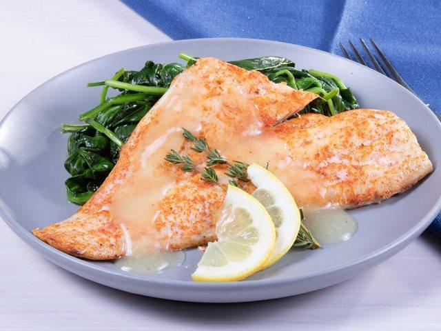 Keto: Baked Tilapia with Lemon Sauce with Spinach
