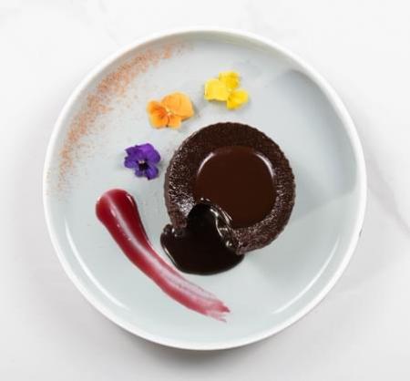Chocolate Saucy Cake